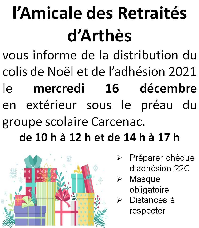 Distribution du colis de Noël en extérieur à l'école primaire